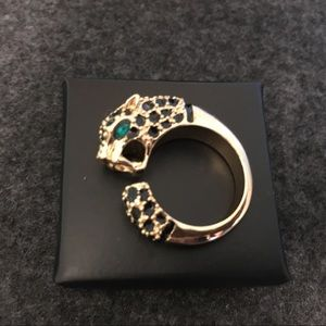 NEW AVON LEOPARD CAT RING SIZE 7ish. Boxed